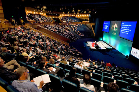 How Attending a Medical Conference Can Benefit Your Practice
