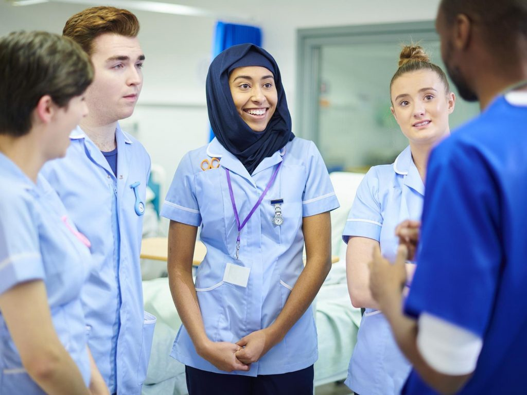 10 Useful Advice for International Students who Wants to Apply to a UK Medical School