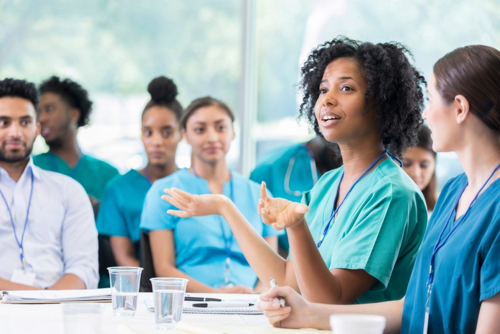 3 Ways Medical Students can Switch into Other Professions
