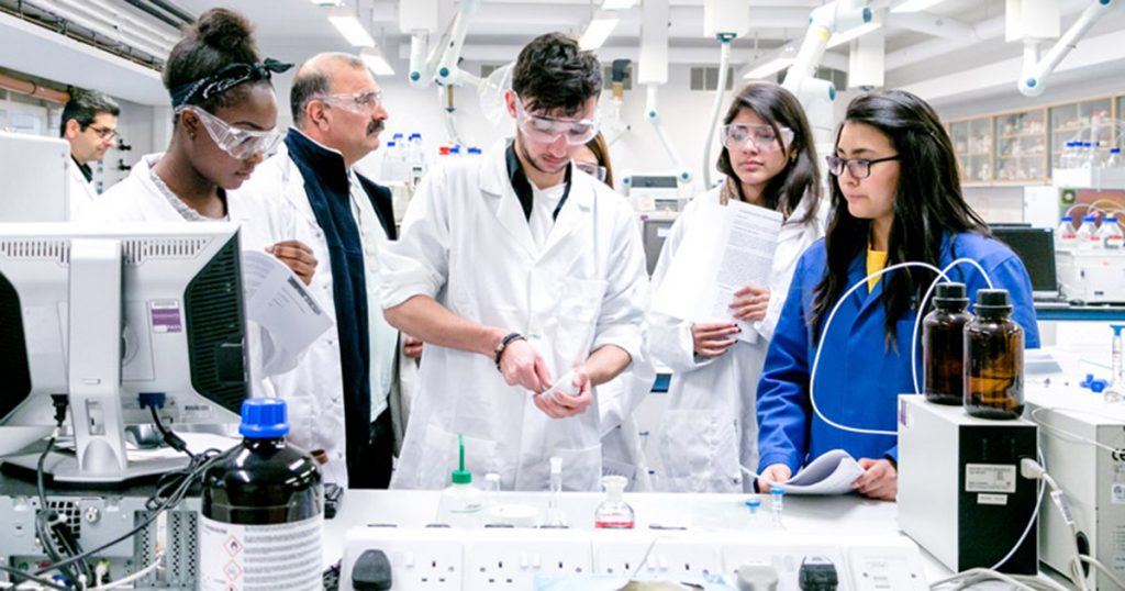 4 STEM Bachelors to Study and Careers Opportunities in 2021
