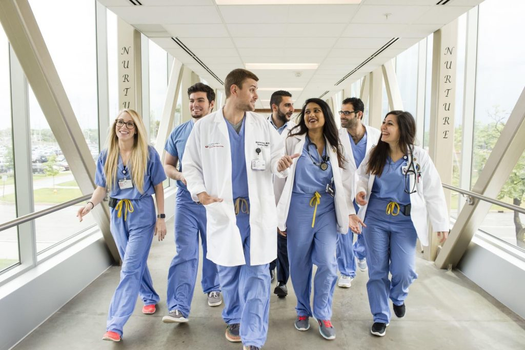 Useful Tips on How to Prepare for Medical School in College/High School