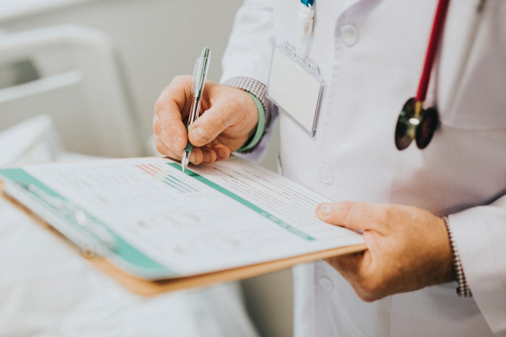 Health insurance for your first months in Canada